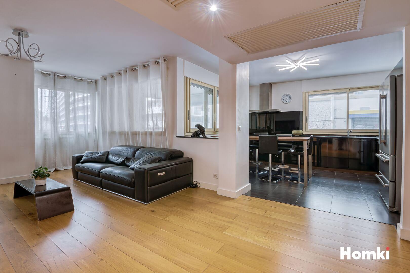 Homki - Vente Appartement  de 111.0 m² à Marseille 13001