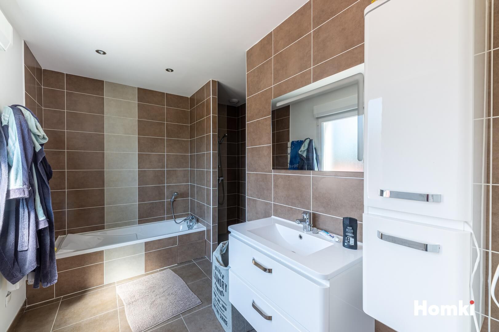 Homki - Vente Maison/villa  de 240.0 m² à Chavanoz 38230