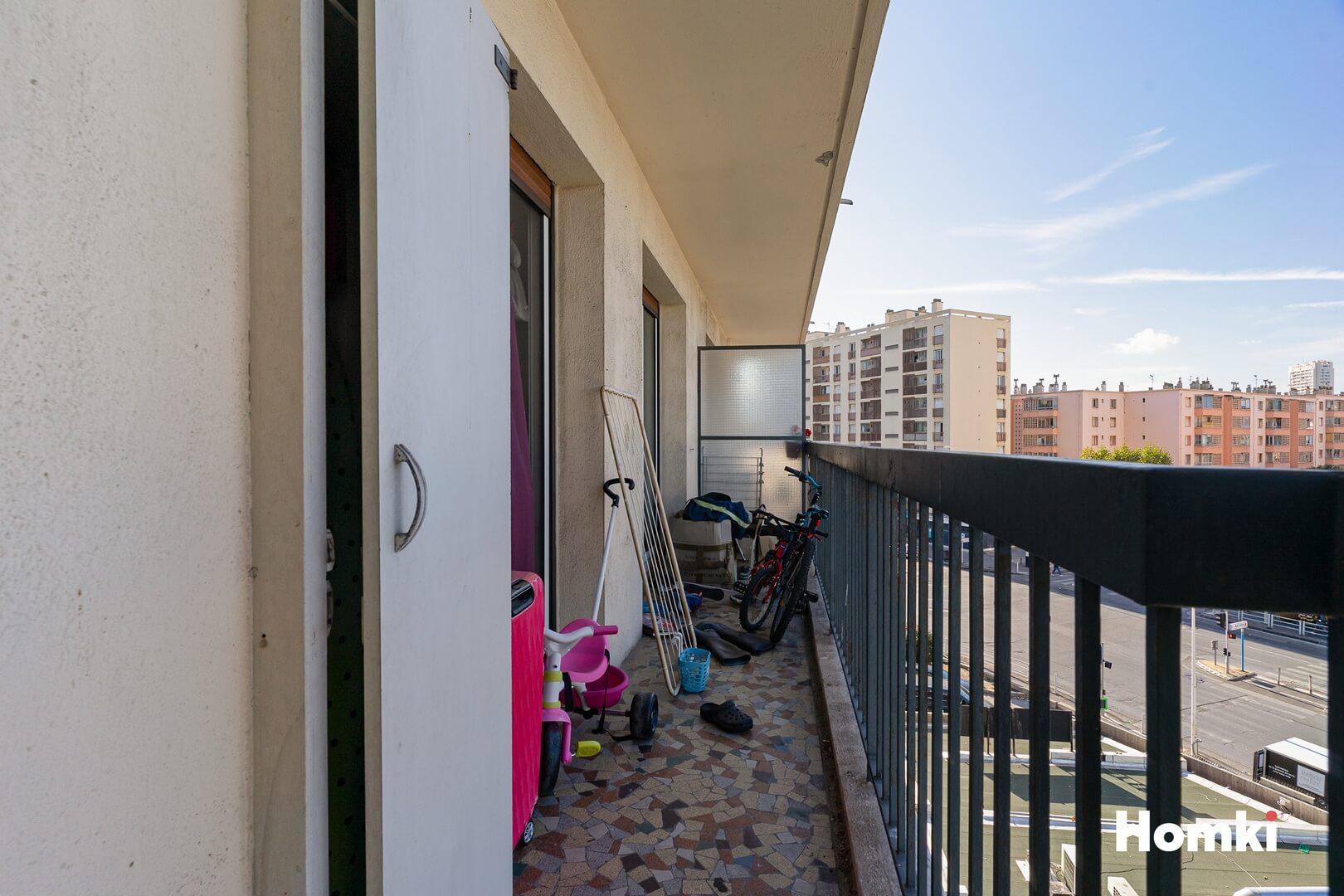 Homki - Vente Appartement  de 67.55 m² à Marseille 13009