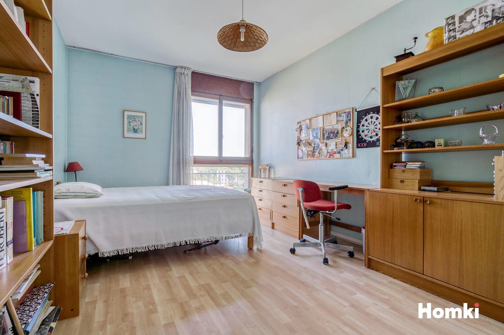 Homki - Vente Appartement  de 111.49 m² à Marseille 13009