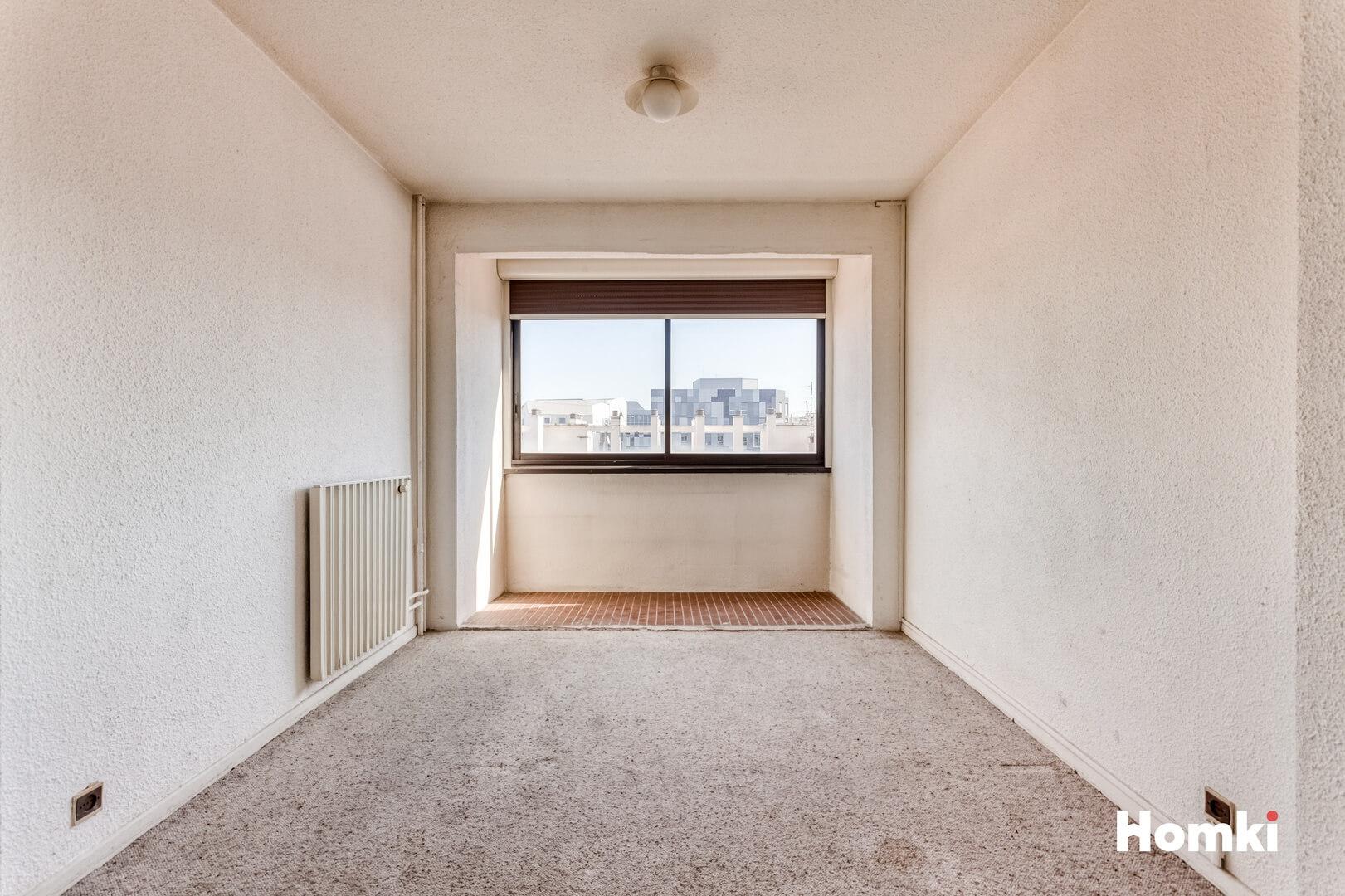 Homki - Vente Appartement  de 75.0 m² à Marseille 13002