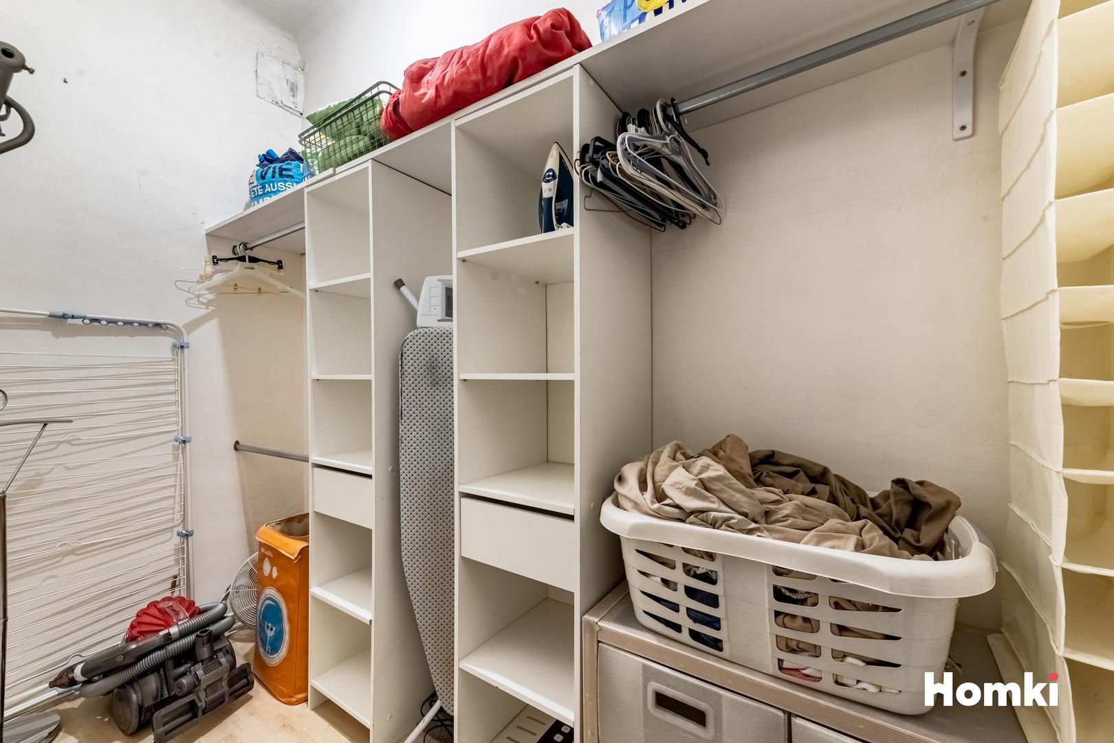 Homki - Vente Appartement  de 63.0 m² à Marseille 13002