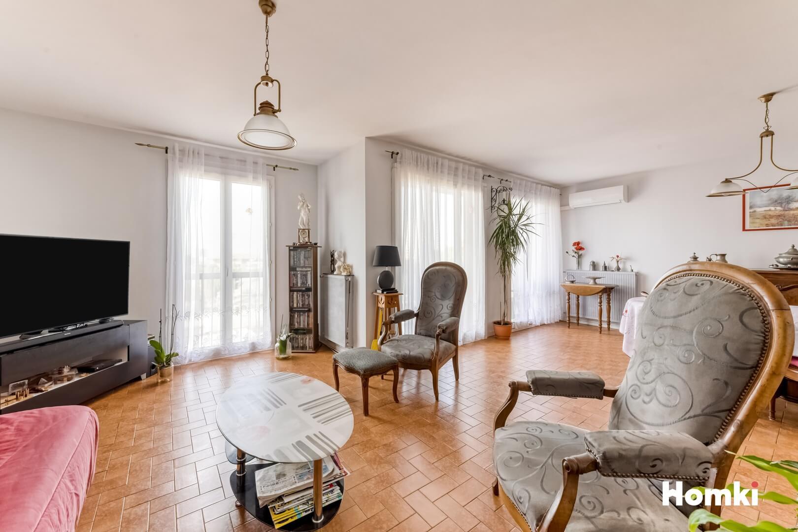 Homki - Vente Appartement  de 100.0 m² à Marseille 13013