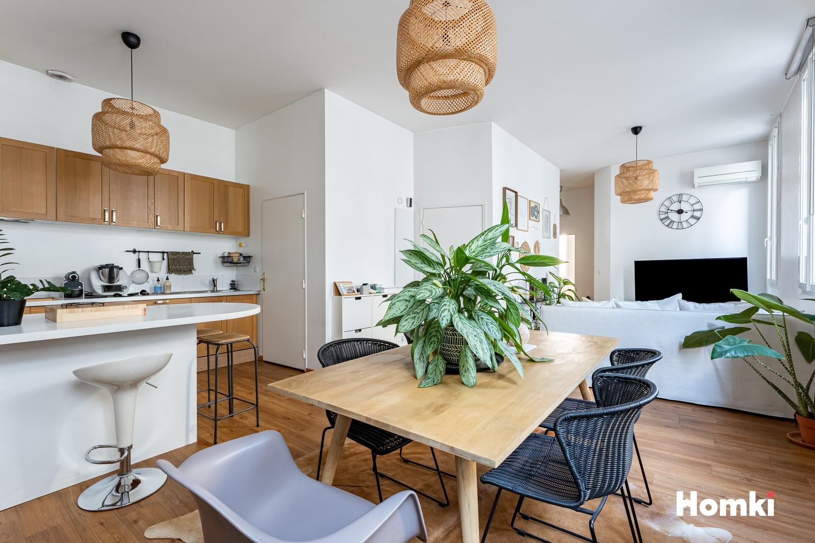 Homki - Vente Appartement  de 66.0 m² à Marseille 13006
