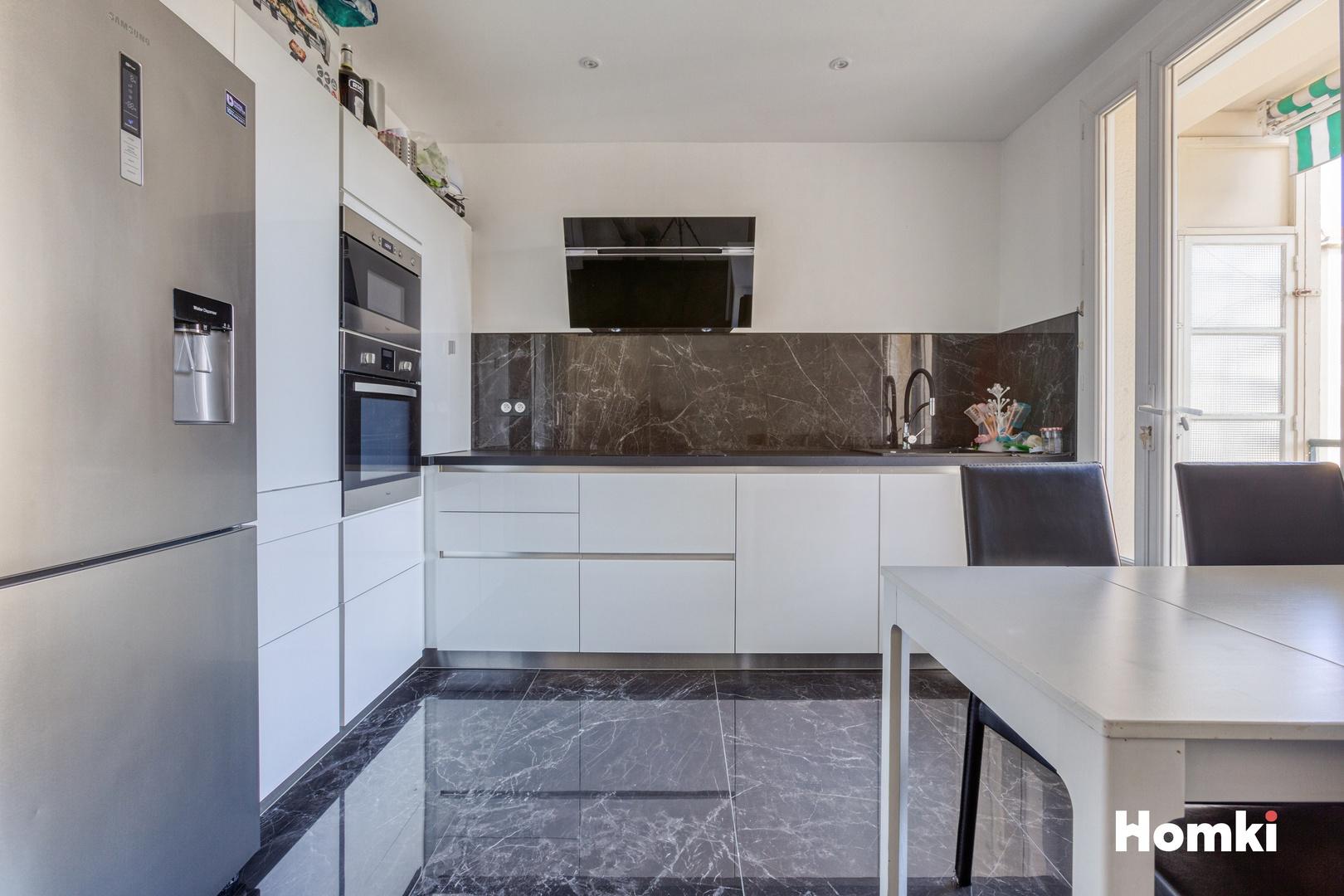 Homki - Vente Appartement  de 89.0 m² à Marseille 13009