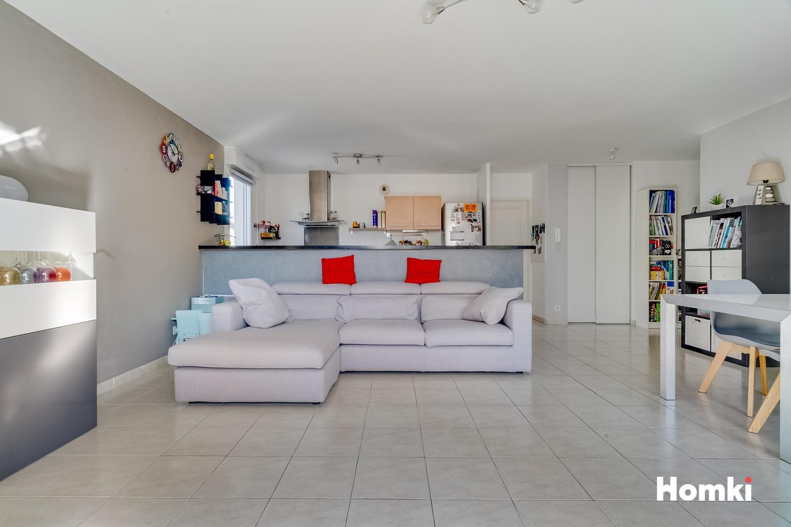 Homki - Vente Appartement  de 84.0 m² à Marseille 13011