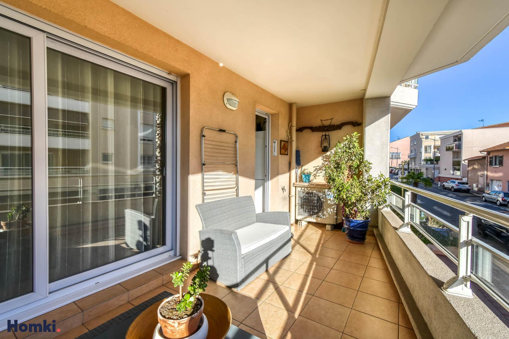 Homki - Vente Appartement  de 78.0 m² à st raphael 83700